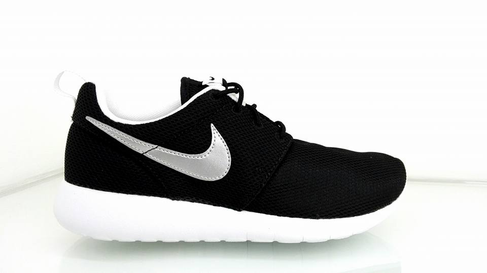 NIKE ROSHE ONE BLACK NERO DONNA